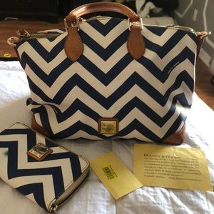 Dooney and Bourke purse and wallet set
